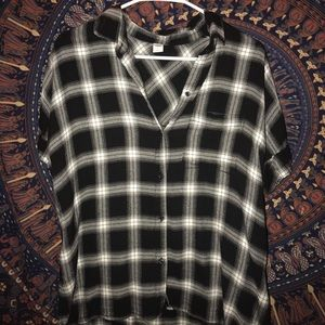 Black and White patterned short sleeve